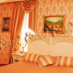 Дизайнерское интерьерное оформление репродукциями гостиницы